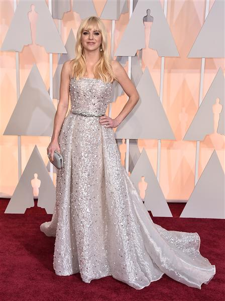 Anna Faris in a beautiful white Zuhair Murad gown